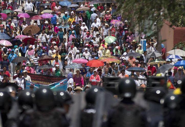 La CNTE ha realizado sendas movilizaciones llamando a boicotear las elecciones en los estados de Guerrero y Oaxaca. (AP)