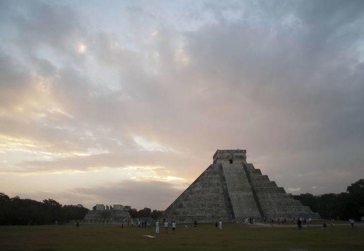 Se prevé que los caminos a Chichén Itzá y Dizbilchaltún sean los más concurridos. (Notimex)