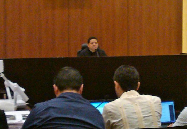 Aspecto de la audiencia de vinculación por la muerte del psiquiatra meridano Felipe Triay Peniche. (SIPSE)