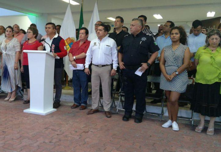 En su opinión, la alcaldesa de Playa del Carmen consideró que la decisión del gobernador Carlos Joaquín es una usurpación de poderes, una ilegalidad sin justificación y sin el aval del Congreso del Estado. (Redacción/SIPSE)