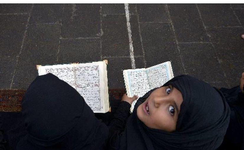 El velo, en niñas musulmanas, a debate nacional en Gran Bretaña. (Agencias)