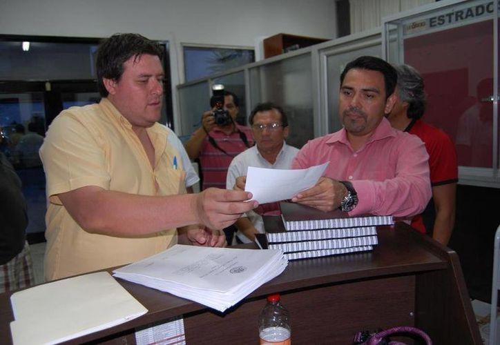 """Rafael Guzmán Acosta, dijo que """"Fuerza Social por Quintana Roo"""" es la única Agrupación Política Estatal legalmente constituida. (Harold Alcocer/SIPSE)"""