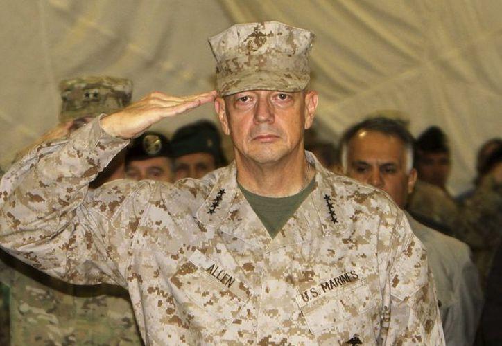 Imagen de archivo que muestra al general estadounidense y comandante de las fuerzas de la OTAN y los Estados Unidos en Afganistán, John Allen. (EFE)