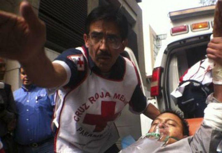 Cinco trabajadores de la Secretaría de Saludo fueron heridos, nadie tiene lesiones que ponga en peligro su vida. (aristeguinoticias.com)
