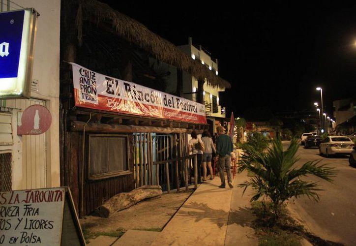 La tercera edición del Festival Cruzando Fronteras tiene como objetivo primordial difundir los atractivos de Mahahual, sus hoteles y sus alrededores entre el turismo local, nacional e internacional. (Claudia Martín/SIPSE)