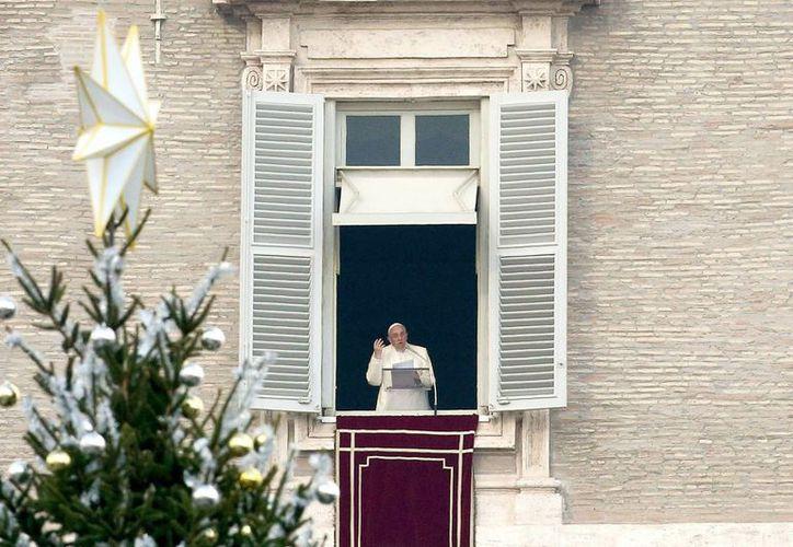 El Papa dijo que la virgen María se inquietó con el anuncio del ángel porque aún no se casaba con José. (EFE)