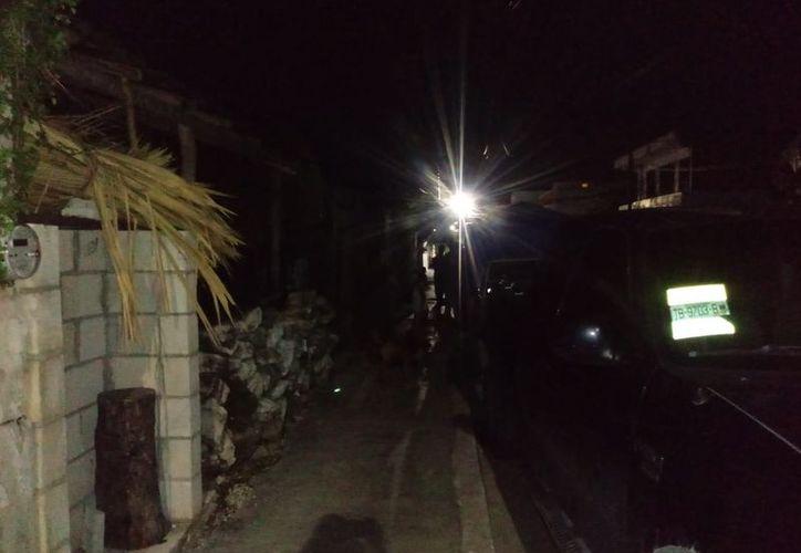 Los hechos ocurrieron en la madrugada de este viernes, en la calle 1 Sur con avenida 30, en Playa del Carmen. (SIPSE)