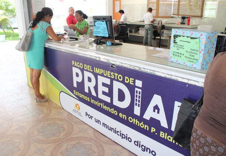 De a cuerdo con la Tesorería municipal, se han entregado casi nueve mil cartas de invitación para ponerse al corriente. (Joel Zamora/SIPSE)