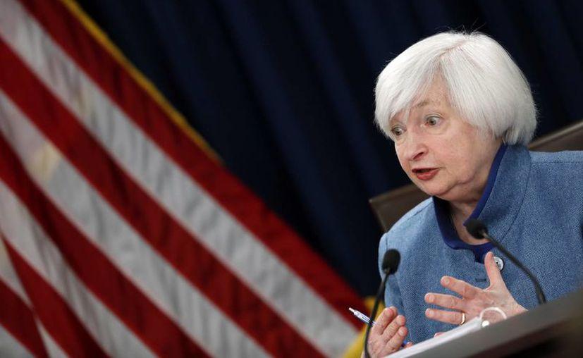 'El gasto de las familias ha estado subiendo moderadamente pero la inversión fija de las empresas ha permanecido débil', aseguró Janet Yellen, presidenta de la Reserva Federal. (AP Photo/Alex Brandon)