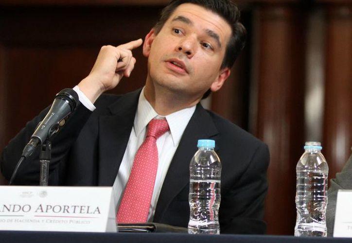 El subsecretario de Hacienda, Fernando Aportela, explicó que hay signos de recuperación de la actividad interna y en la economía de Estados Unidos. (Notimex/Foto de archivo)