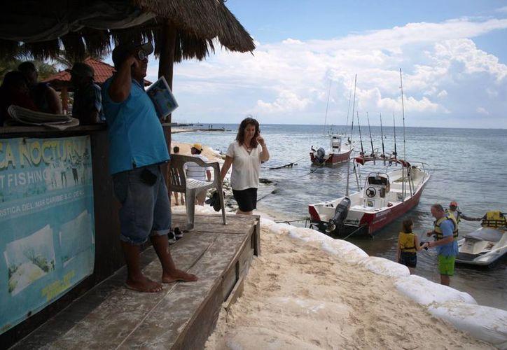 En distintos puntos del litoral la erosión se ha acentuado más, principalmente en puntos como la playa El Recodo. (Octavio Martínez/SIPSE)
