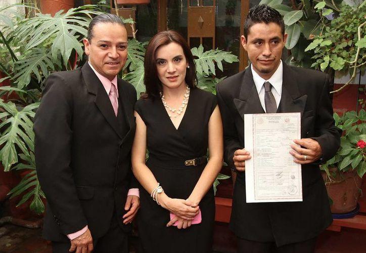 La primera boda gay en Coahuila muestra que en ese estado se han dado reformas a leyes solo comparables al Distrito Federal. (Notimex)