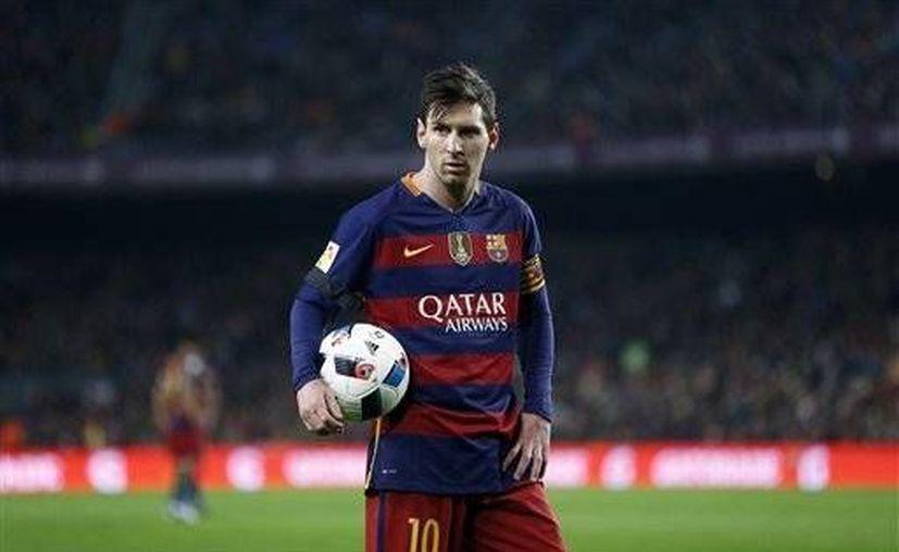 Lionel Messi viene sufriendo problemas renales desde su participación en el Mundial de Clubes 2015. (AP)