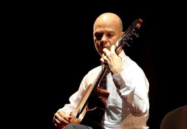 Manuel Rubio ofrecerá una experiencia con la guitarra clásica acompañado de la soprano Mía Monforte. (Milenio Novedades)