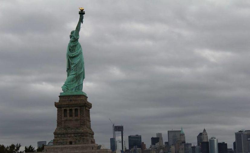 La Estatua de la Libertad atrae a millones de turistas de todo el mundo cada año. (Archivo/EFE)