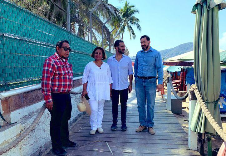 Simón Levy Dabbah, subsecretario de Turismo, se quejó en Twitter del cierre peatonal a Playa Brisas, en Manzanillo.  (Foto: Twitter @SimonLevyMx)