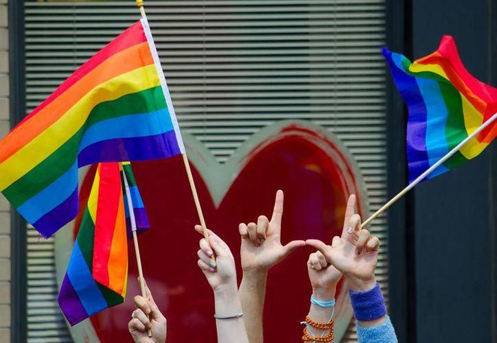 La Corte de Corpus Christi suprime la sentencia de 2011 emitida por una corte en Houston, que nulificó la boda de Nikki Araguz porque nació varón y porque Texas no reconoce el matromino gay. (Agencias)