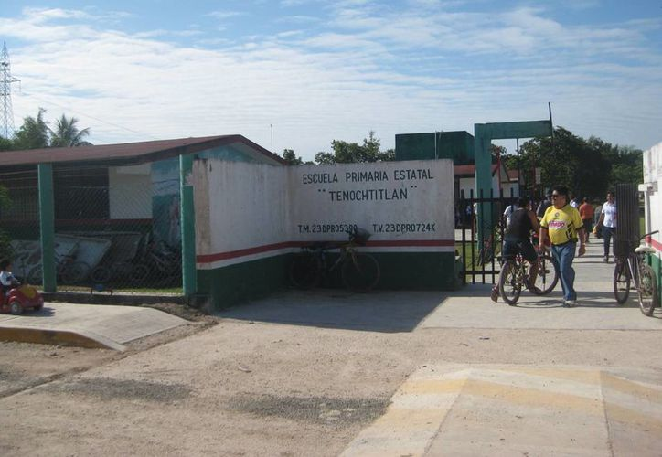 Invierten en la construcción de un desayunador para los estudiantes. (Javier Ortiz/SIPSE)