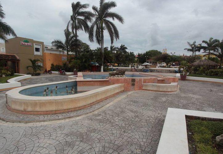 """La fuente """"Atardecer Marino"""" se ubica en el parque Benito Juárez. (Gustavo Villegas/SIPSE)"""