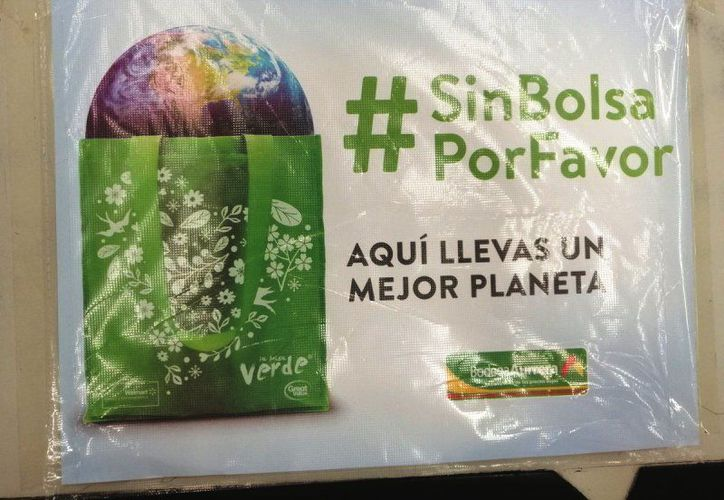 Los supermercados señalan que esta bolsa es biodegradable y mucho más resistente que una bolsa de plástico. (Foto: redes sociales)