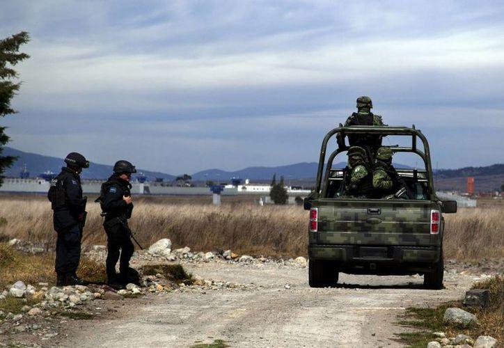 Imagen de los alrededores del penal del Altiplano, en donde huyó El Chapo el año pasado y ahora regresó para ser recluido en el mismo lugar. Policia colombiana descubre nexos del narco mexicano con el Clan Úsuga de Colombia. (EFE)
