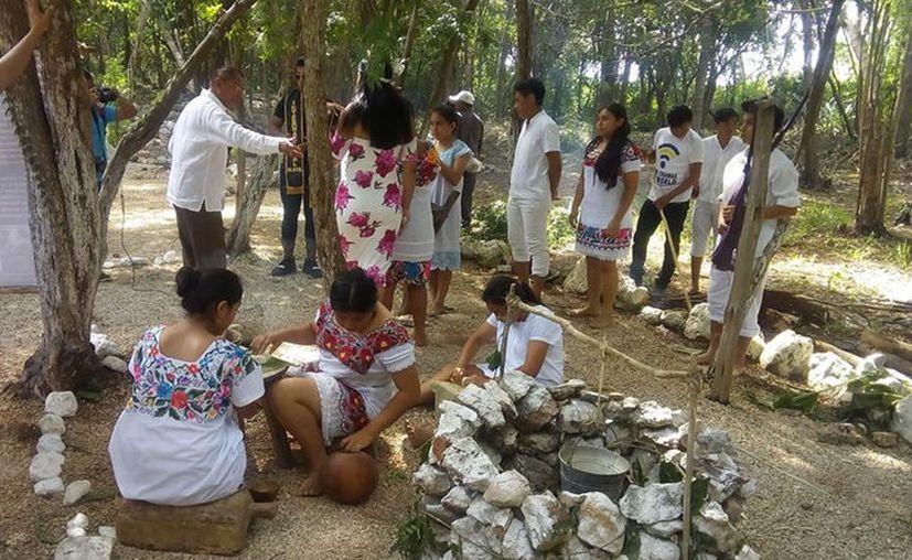 El objetivo es que los asistentes conozcan sobre la cultura maya. (facebook.com/chichenitzahubiku)