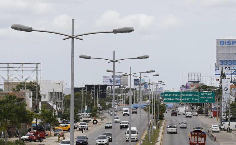 El alumbrado público del municipio Benito Juárez tiene 49 mil 400 focos en funcionamiento. (Amaury Rodríguez/SIPSE)