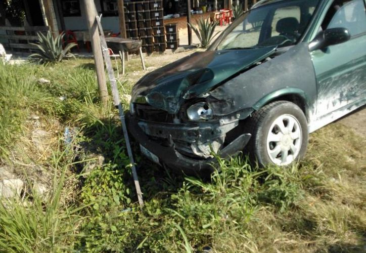 Los daños de ambos vehículos fueron evaluados en 20 mil pesos. (Javier Ortiz/SIPSE)