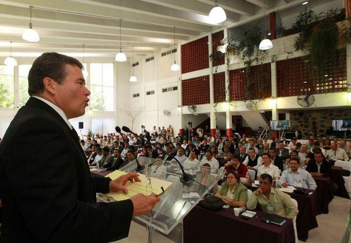 El SNTE propuso el examen de oposición para regular la carrera magisterial, asegura. (sntemx.blogspot.mx)