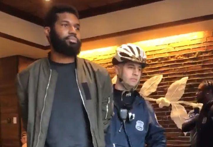 Después del arresto, Starbucks se disculpó con los afectados. (Foto; Milenio)