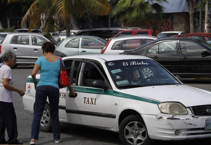 Sintra en coordinación con el IQM, desarrolla el proyecto de taxi con perspectiva de género. (Foto: Contexto/SIPSE)