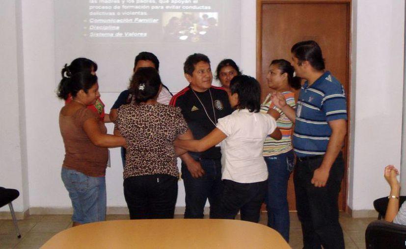 Los jóvenes participantes relataron sus experiencias durante el taller. (Cortesía)