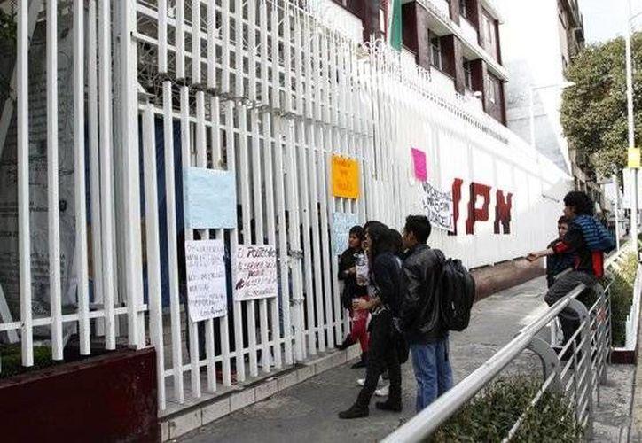 Durante todos los días de paro, sólo una minoría de alumnos han mantenido bajo su resguardo los planteles. (twitter.com/Pajaropolitico)