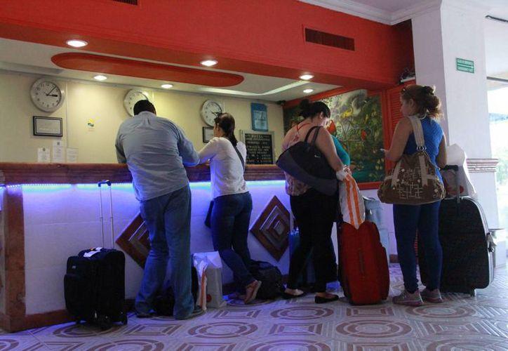 Incrementa el arribo de turismo en el centro de Cancún. (Israel Leal/SIPSE)