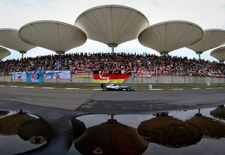 El Gran Premio de China se llevará a cabo el día de mañana en el circuito internacional de Shanghai.(AP)