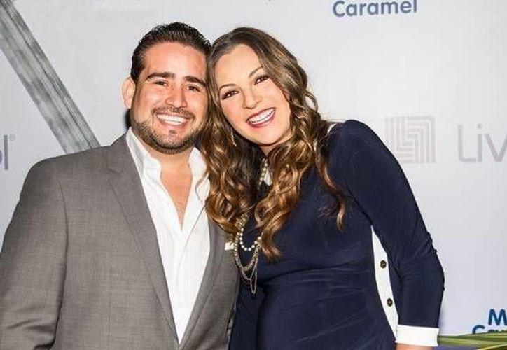 La cantante comentó a diferentes medios su enlace matrimonial en la ciudad de Cancún. (Redacción/SIPSE)