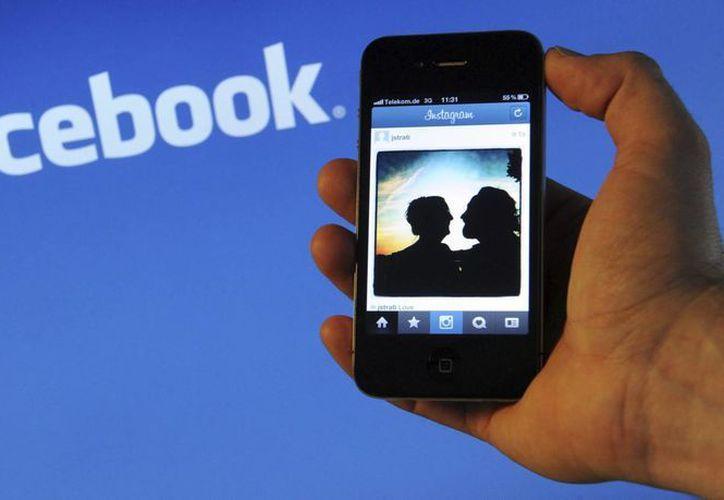 Slingshot es un intento de Facebook de entrar en el espacio ocupado por Snapchat. (EFE)