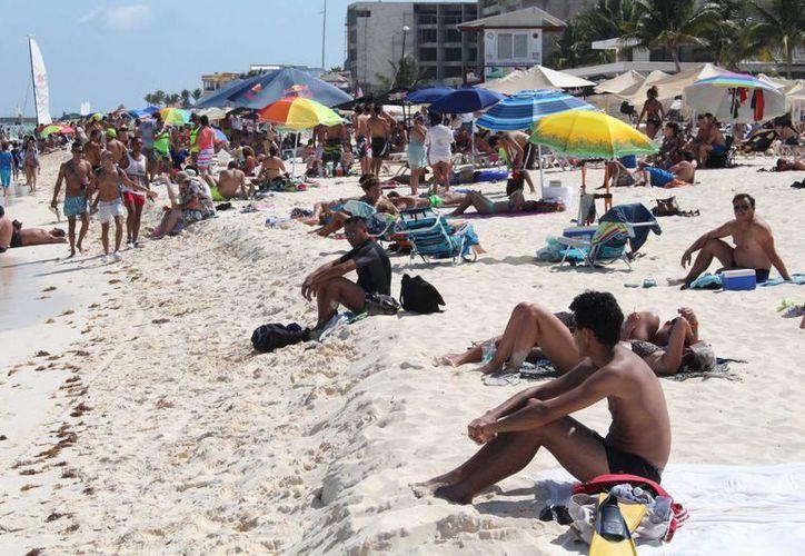Protección Civil recomienda a los visitantes que sigan las recomendaciones de seguridad para evitar pasar por momentos desagradables durante las vacaciones.  (Rafael Acevedo/SIPSE)