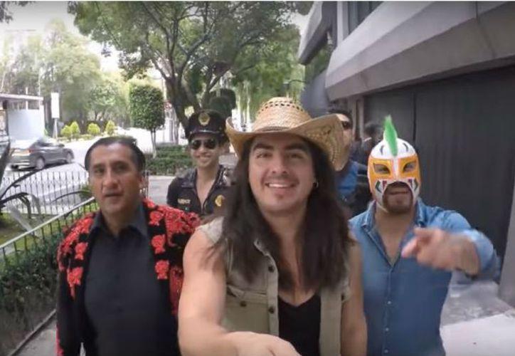 Rey Grupero presentó al invitado a uno de sus polémicos videos. (Internet)