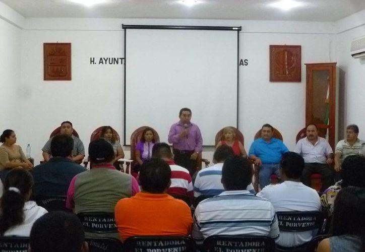 Luciano Sima Cab, encabezó la instalación del Comité de Protección Civil. (Raúl Balam/SIPSE)