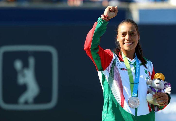 La tenista mexicana, Victoria Rodríguez ganó la Medalla de Plata en la final de tenis femenil, dentro de los XVII Juegos Panamericanos Toronto 2015. (Notimex)