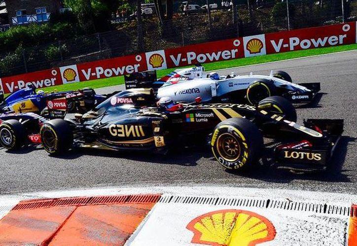 La escudería francesa Renault volverá a la Fórmula Uno como equipo a partir de la temporada 2016, luego de que este día completó la compra de Lotus. (Twitter: @F1)