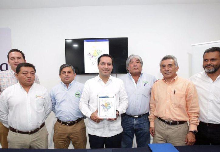 Este jueves el alcalde de Mérida, Mauricio Vila, presentó una herramienta tecnológica, única en su tipo en el país, que mejorará la recolección de basura en la ciudad. (Fotos cortesía del Ayuntamiento de Mérida)