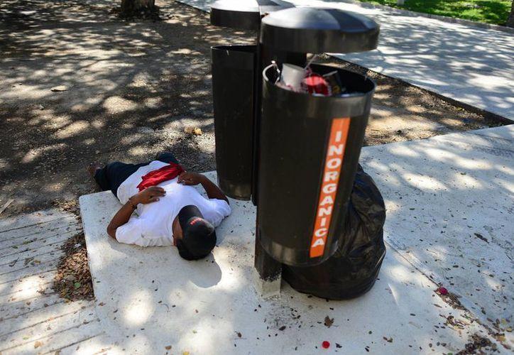 En varias zonas de la ciudad, hay basura de los festejos de fin de año. (Miraquemiro)