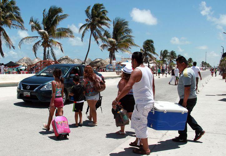 ¡Prepare la hielera este domingo! La SSY amplió el horario de venta de alcohol para este día. (Milenio Novedades)