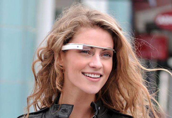 Las personas buscan en la red estos accesorios para sentirse admirados. (Redacción/SIPSE)