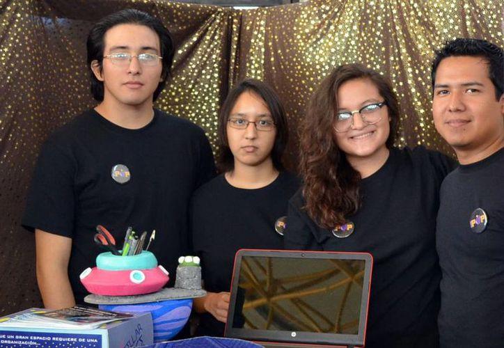 Estudiantes de la carrera en Diseño Digital presentaron sus proyectos. Cinco ganadores se entrenarán para aprender sobre cómo comercializar y posicionar su marca. (Milenio Novedades)
