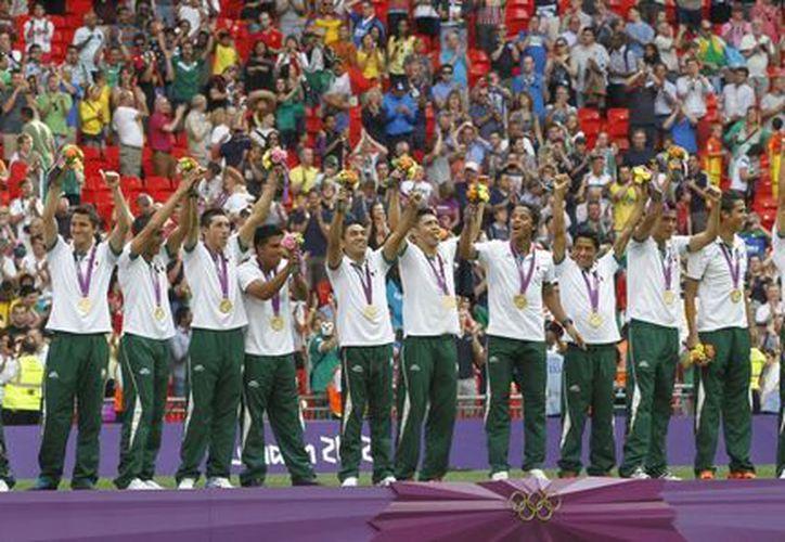 La selección mexicana portó orgullosa el oro en Londres. (Archivo/Notimex)