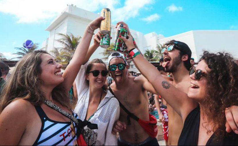 En Estados Unidos se prohibió la comercialización de la bebida Four Loko.  (Instagram/fourloko.gt)