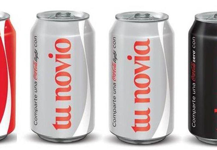 Coca Cola lanzó una atractiva campaña con los nombres mas frecuentes impresos en latas y envases de plástico, por su éxito agregan más a la lista. (Milenio)